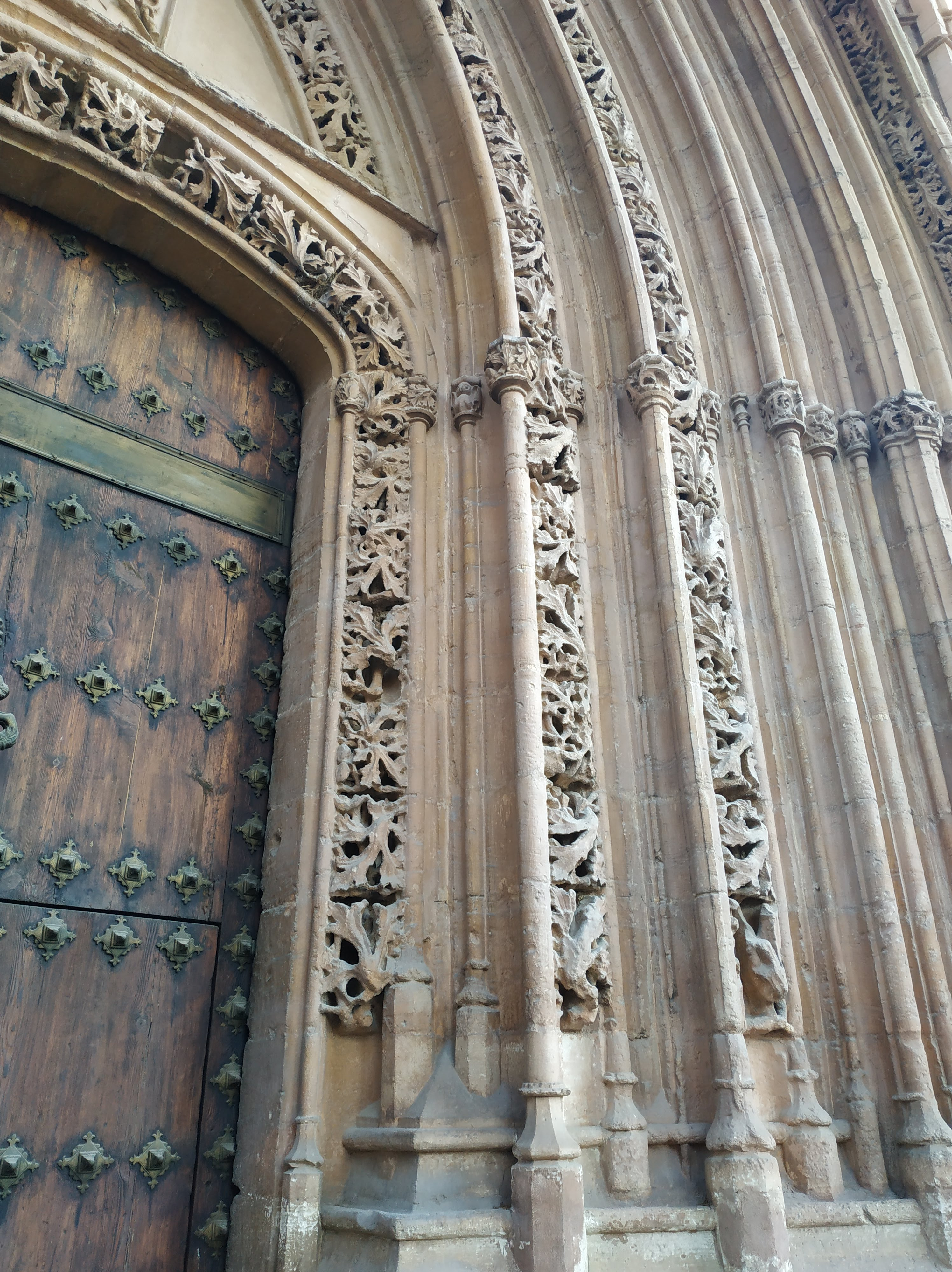 Puerta de Iglesia de Santiago Orihuela